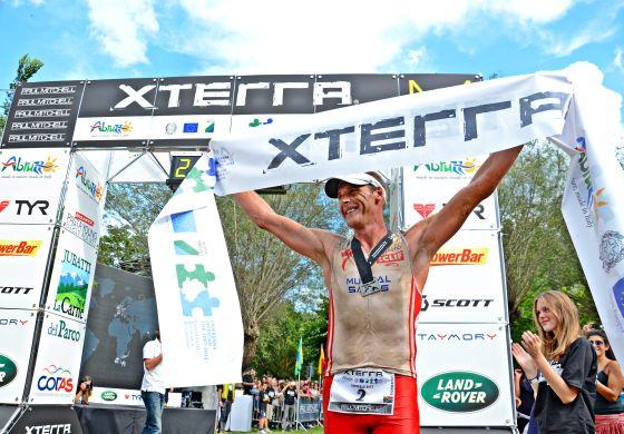 Conrad Stoltz vince l'XTERRA Abruzzo 2013 (foto Giuseppe Cantelmi)