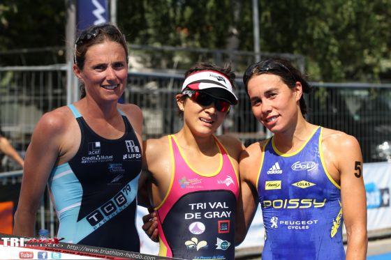 Il podio femminile del Grand Prix Triathlon France 2014 di Embrun