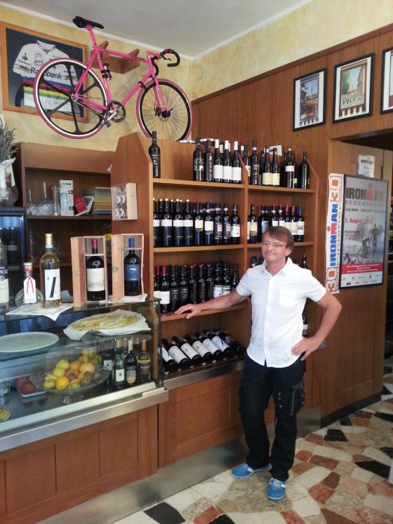 Che segreto nasconde la bici rosa di chef Mirco Villa?
