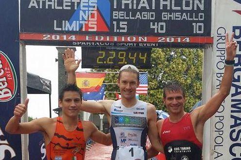 Il podio maschile del 1° Triathlon Bellagio Ghisallo