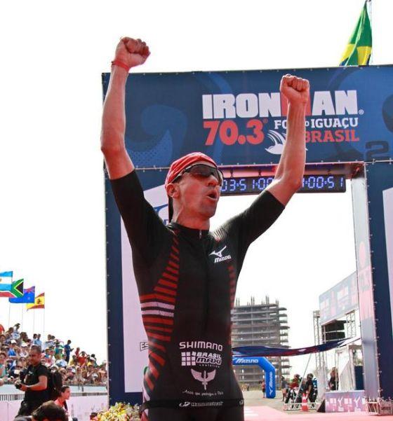 Fabio Carvalho vince in casa il 1° Ironman 70.3 Foz do Iguaçu
