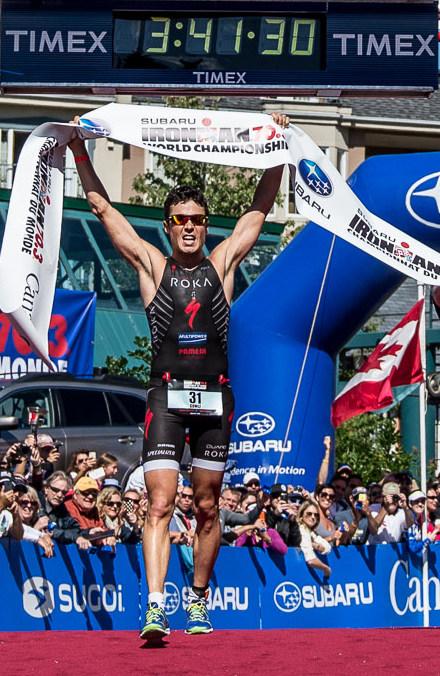 Javier Gomez centra il successo iridato al Mondiale Ironman