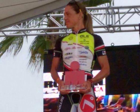 Laura Pederzoli vince l'Ironman Mallorca 2014 nell'age group F40