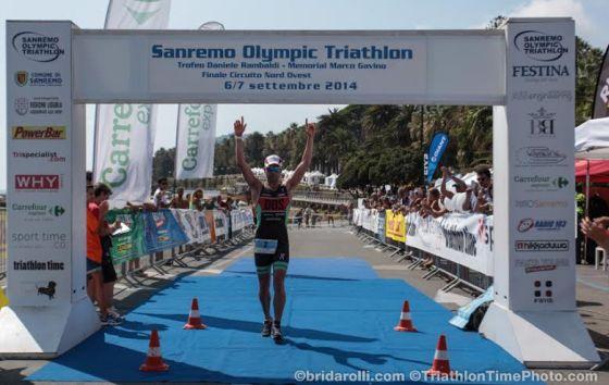 Ivan Risti solitario e trionfante al Sanremo Olympic Triathlon 2014