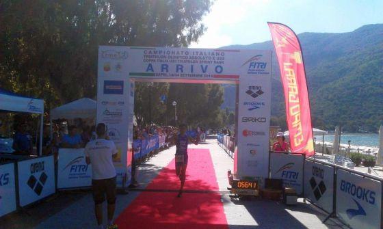 Andrea Borsacchi al traguardo del Triathlon Sprint Sapri 2014