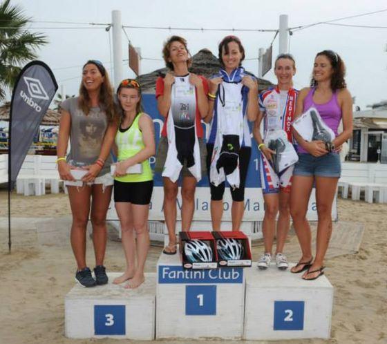 Il podio femminile del X Triathlon Super Sprint a Coppie di Cervia