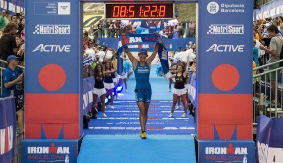 L'austriaca Eva Wutti è prima all'Ironman Barcelona 2014