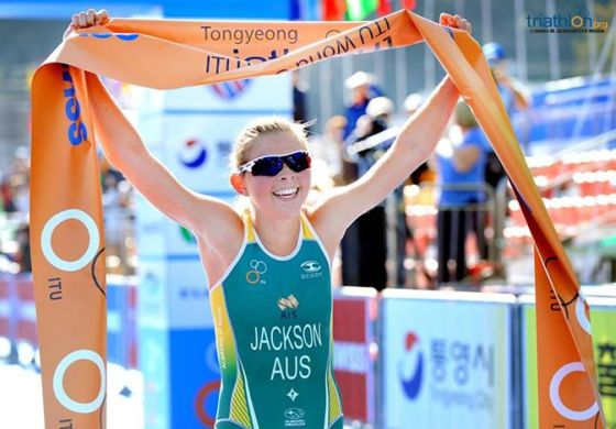 L'australiana Emma Jackson ancora campionessa nell'ITU Triathlon World Cup Tongyeong 2014