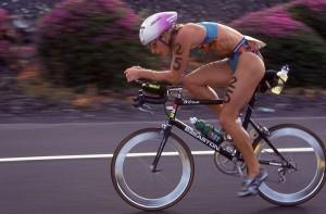 L'ironwoman Paula Newby Fraser, la più titolata di tutti i tempi all'Ironman Hawaii