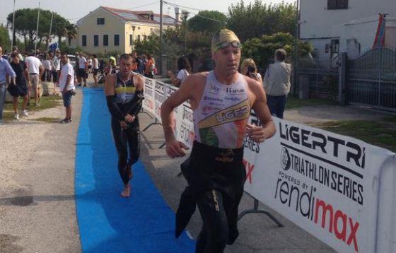 Massimo Cigana ha vinto il Triathlon Olimpico Cavallino 2014
