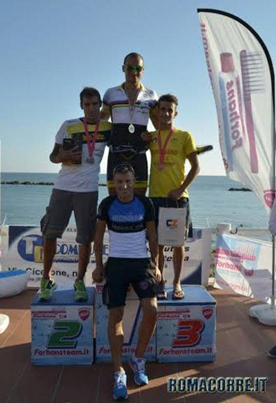 Il podio maschile del Triathlon Sprint di Santa Marinella 2014