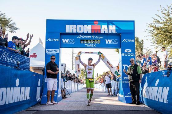 Brent McMahon vince l'Ironman Arizona 2014
