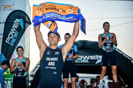 Il grande campione argentino Oscar Galindez al suo ultimo Triathlon Internacional de La Paz
