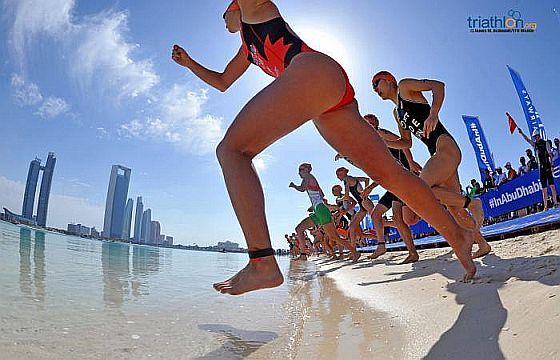 I video dell'ITU World Triathlon Abu Dhabi del 7 marzo