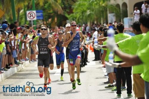 Massimo De Ponti e Davide Uccellari grandi protagonisti alla tappa di Coppa del Mondo dello Huatulco Triathlon 2015