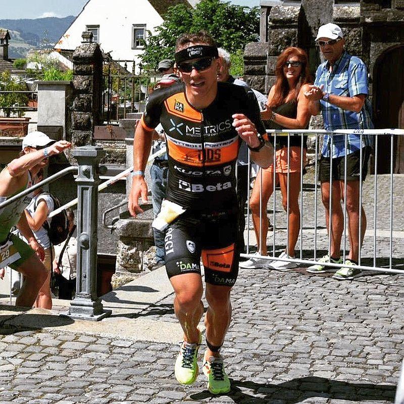 Matteo Fontana impegnato nella dura mezza maratona dell'Ironman 70.3 Switzerland 2015