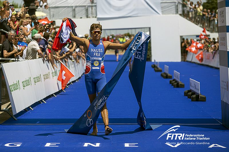 David Hauss re del triathlon europeo… scalzo!