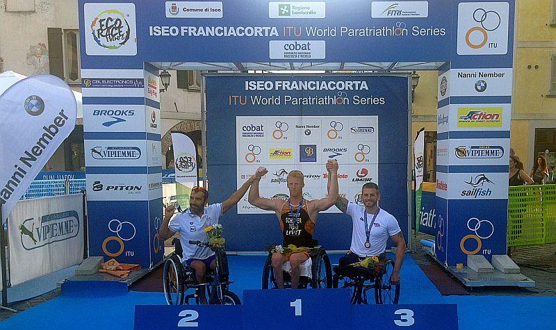 Il podio PT1 dell'Iseo Franciacorta ITU World Paratriathlon Event del 18 luglio 2015: Giovanni Achenza è secondo