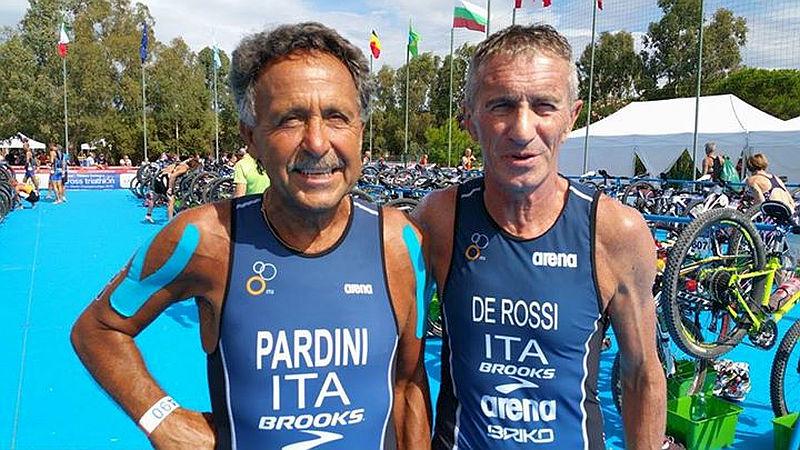 Giovanni Pardini, 260 triathlon in carriera, e Valter De Rossi, bronzo M65 al TNatura Sardegna 2015