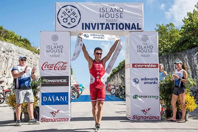 Gwen Jorgensen e Javier Gomez sbancano l'Island House Triathlon