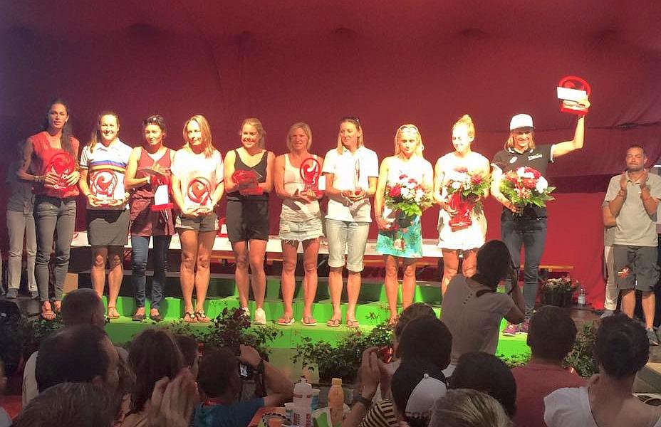 Il podio femminile del Challenge Roth 2016 vinto dalla campionessa svizzera Daniela Ryf