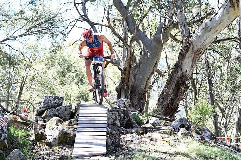 Lo spagnolo Ruben Ruzafa in Australia vince il suo 3° titolo al Mondiale di Cross Triathlon 2016