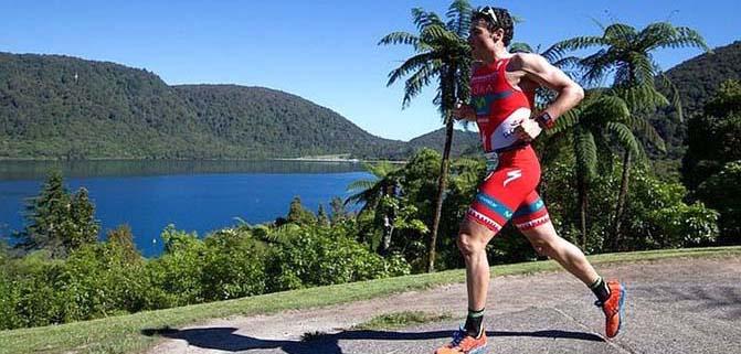 Javier Gomez torna e trionfa a Rotorua