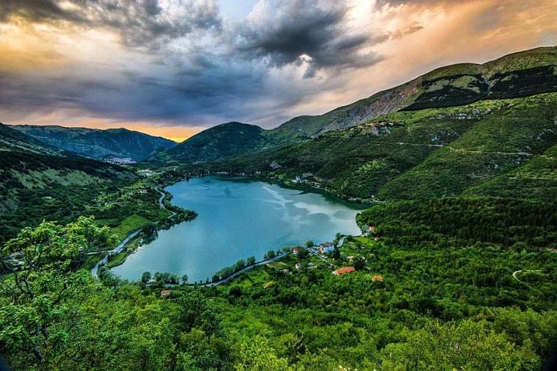 Il Lago del Cuore di Scanno è pronto per accogliere i triatleti del 5° XTERRA Abruzzo Italy