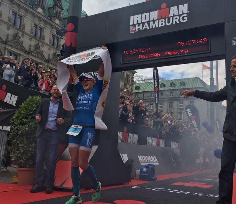Daniela Sammler scrive inaugura l'albo d'oro dell'Ironman Hamburg (Foto ©Ironman Hamburg)