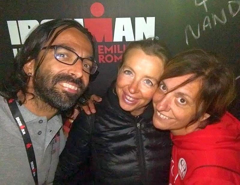 La famiglia FCZ Mondo Triathlon: Daddo, Coccina e Ziabà al termine del 1° storico Ironman Italy Emilia Romagna