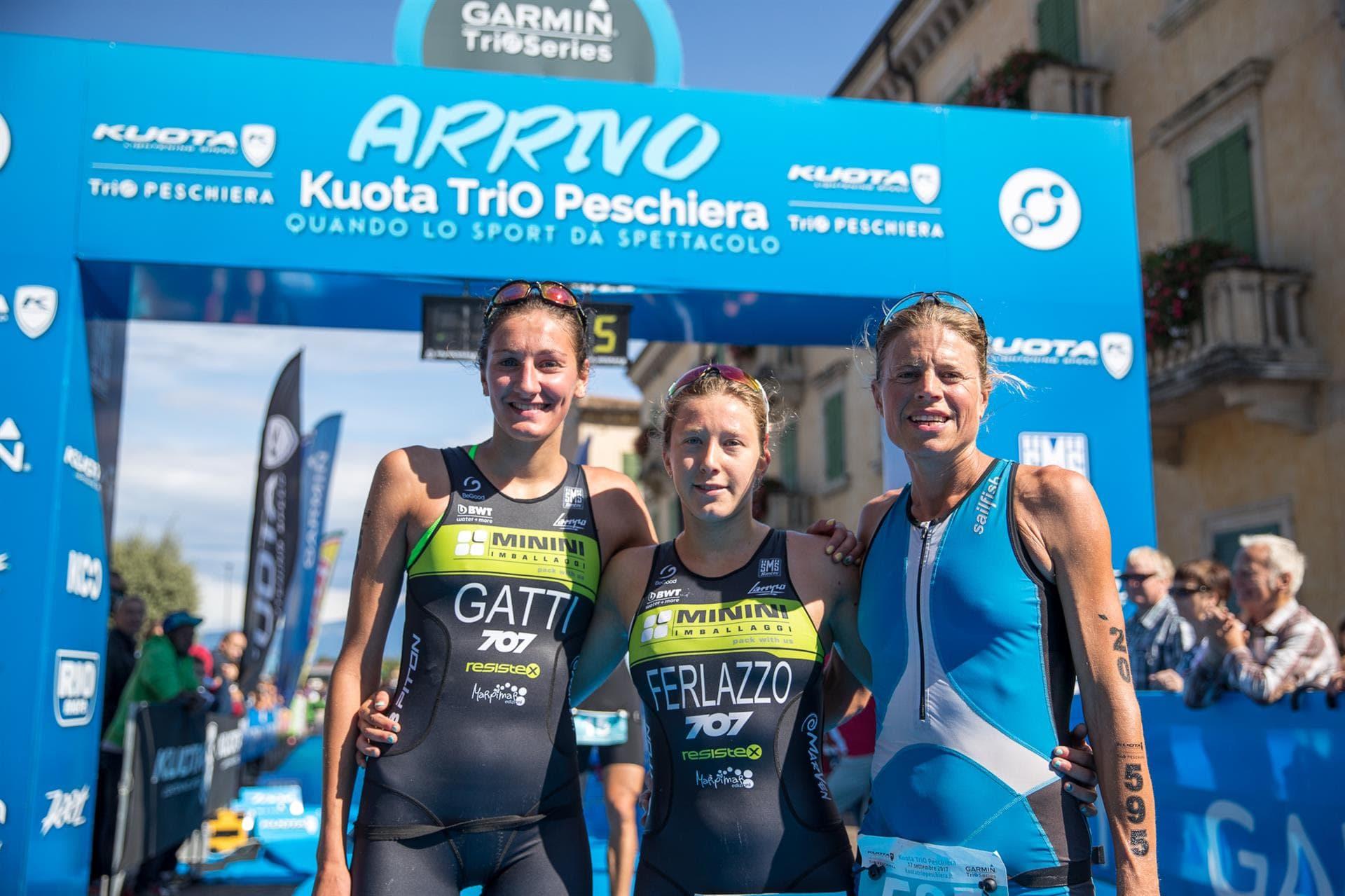 Il podio femminile del triathlon sprint vinto Francesca Ferlazzo al Kuota TriO Peschiera 2017