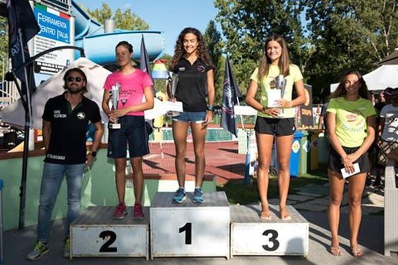 Il podio femminile del 3° Triathlon del Drago a Terni, vinto da Alessandra Tamburri