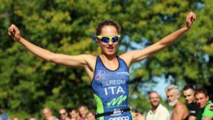 Braccia al cielo per Bianca Seregni, prima al Triathlon Sprint Città di Cremona 2017
