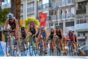 Ilaria Zane, impegnata nei 40K del ciclismo della Huelva ITU Triathlon World Cup 2017. Chiuderà nona (Foto ©Triathlon.org)