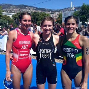 Il podio femminile dell'ETU Sprint Triathlon European Cup, disputata a Funchal (Portogallo) il 23 settembre 2017: Therese Feuersinger, BethPotter e Gabriela Ribeiro (Foto ©F.I.Tri)