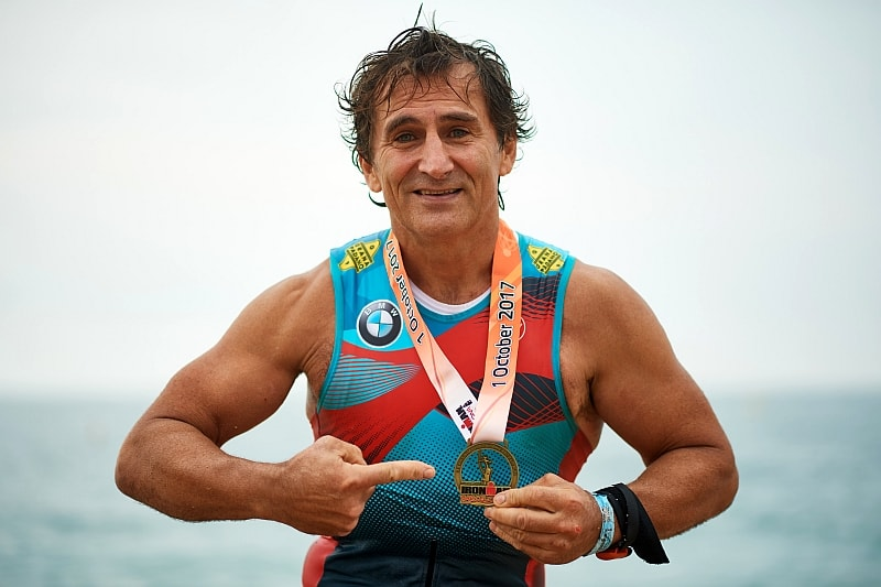 Alex Zanardi al termine del suo Ironman Barcelona 2017 da record (Foto ©Alex Caparros/Getty Images for IRONMAN)