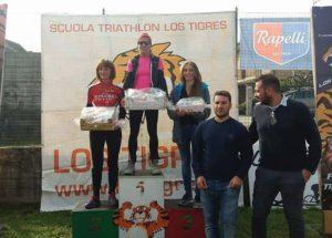 Il podio femminile del Duathlon Mtb Borgo Ticino 2017: 1^ Daniela Locarno, 2^ Anna Negrisoli e 3^ Federica Ferrari