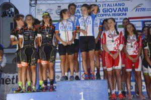 Il podio della staffetta mista junior ai Campionati Italiani Giovani 2017, a Caorle (Foto ©F.I.Tri.)
