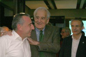 Valter Carnovali con Marco Sbernadori, primo presidente della F.I.Tri., e il dottor Sergio Migliorini