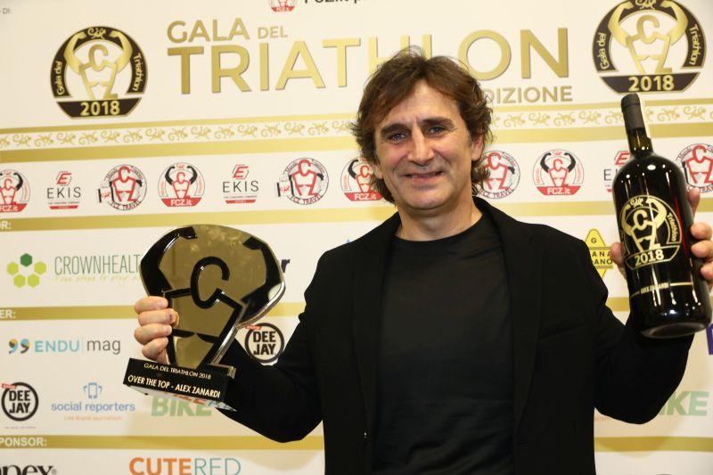"""Alex Zanardi: """"Riposatevi perché da venerdì 22 a domenica 24 marzo farete una splendida fatica al Triathlon Show Italy"""""""