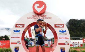 Laura Siddall è la più veloce al Challenge Kaiserwinkl-Walchsee 2017. Precede al traguardo Daniela Sämmler e Margie Santimaria