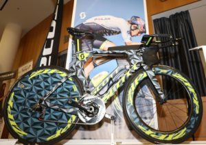 Scott ha inaugurato il suo 2018 al Gala del Triathlon, venerdì 9 febbraio, esponendo la bicicletta e il casco di Sebastian Kienle (Foto ©Sergio Tempera)