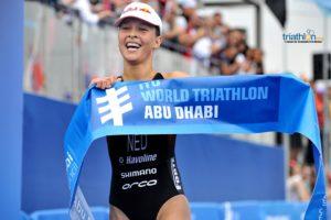L'olandese Rachel Klamer centra la sua prima vittoria in una gara WTS all'ITU World Triathlon Abu Dhabi 2018 (Foto ©Janos Schmidt / ITU Media)