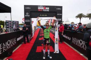 L'australiana Melissa Hauschildt fa suo l'Ironman 70.3 Texas, corso domenica 8 aprile 2018