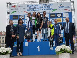 La premiazione della categoria Ragazze ai Campionati Italiani di duathlon 2018 (Foto ©FiTri