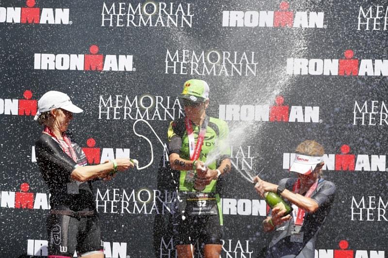 Il podio femminile dell'Ironman Texas 2018 vinto da Melissa Hauschildt