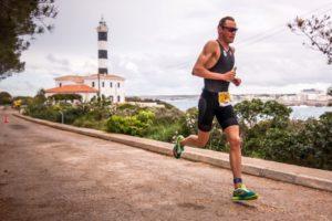 Il belga Michael Van Cleven ha calato il poker al Triathlon Internacional Portocolom, sull'isola di Maiorca, corso domenica 8 aprile 2018