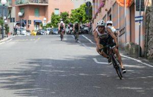 Elia Mozzachiodi (Spezia Triathlon) è salito sul gradino più alto del podio del Triathlon Sprint di Lerici corso domenica 13 maggio 2018