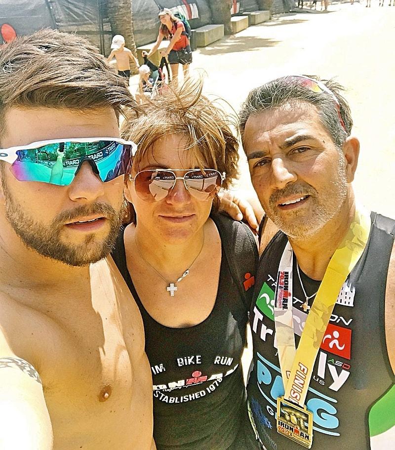 Emanuele Vetere insieme a sua mamma e a suo padre, Salvatore, finisher all'Ironman 70.3 Barcelona 2018