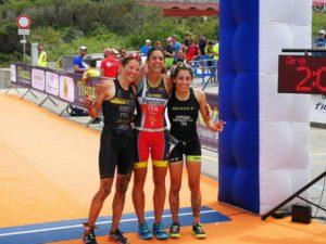 Eleonora Peroncini si laurea campionessa italiana di triathlon cross 2018 a Santa Teresa Gallura (SS), davanti a Marta Menditto e Sandra Mairhofer
